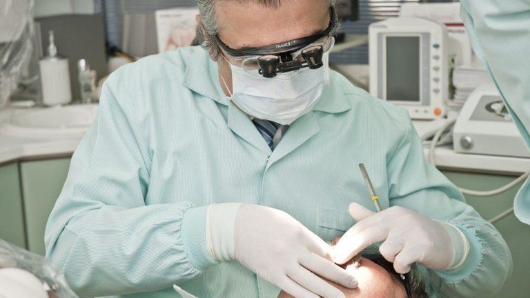 dentista e cuidados com pacientes hipertensos